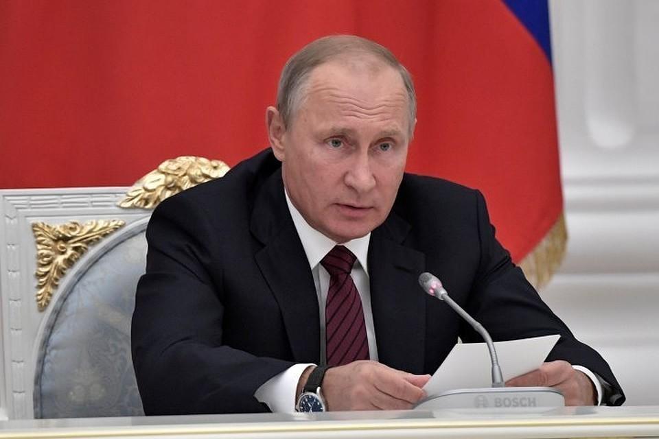 Путин восстановил лицензирование автобусных перевозок