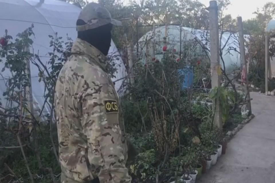 В Крыму задержали украинского боевика. Фото: скрин из видео Пограничного управления ФСБ России по РК