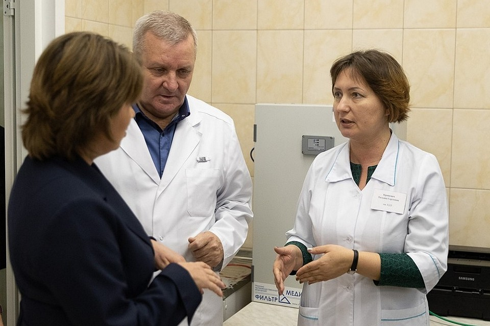 Марина Гаращенко, только что назначенная на пост председателя госкомитета по здравоохранению и фармации, побывала в псковском онкоцентре.