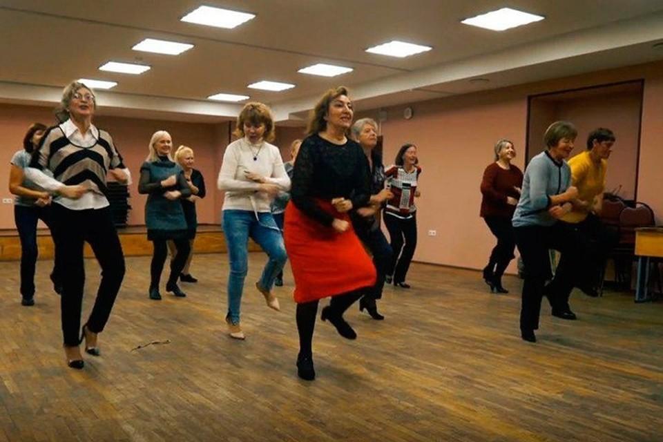 Петербургские бабушки дадут фору любому! Фото: скрин с видеозаписи