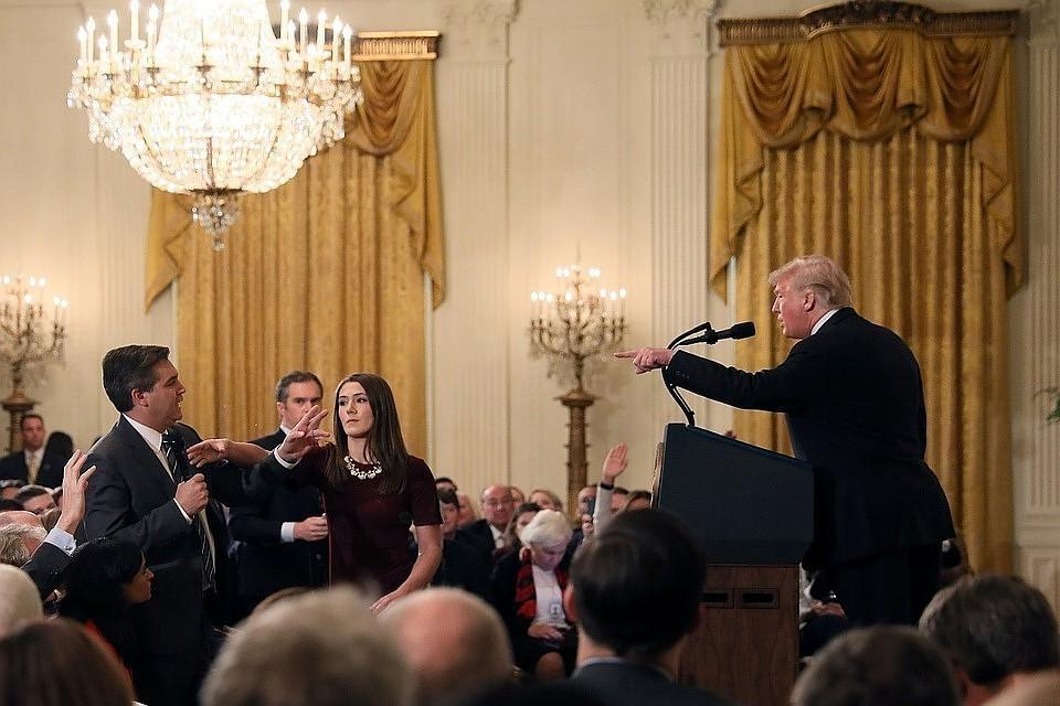 Журналисту CNN вернут пропуск в Белый дом