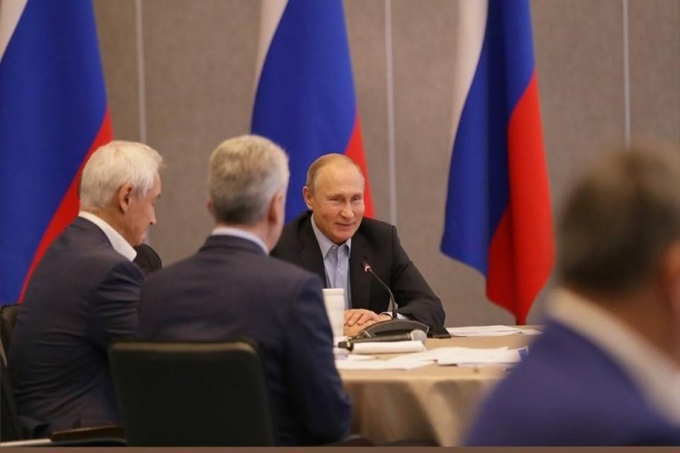Владимир Путин приехал в Крым. Фото: Facebook Сергея Аксенова