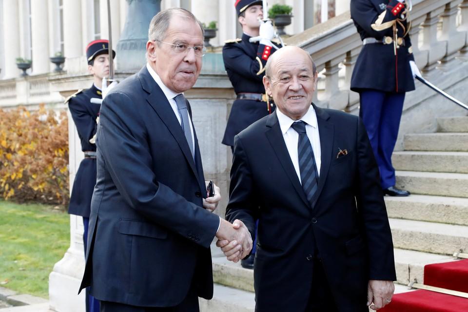 Главы МИД Франции и России Жан-Ив Ле Дриан и Сергей Лавров.