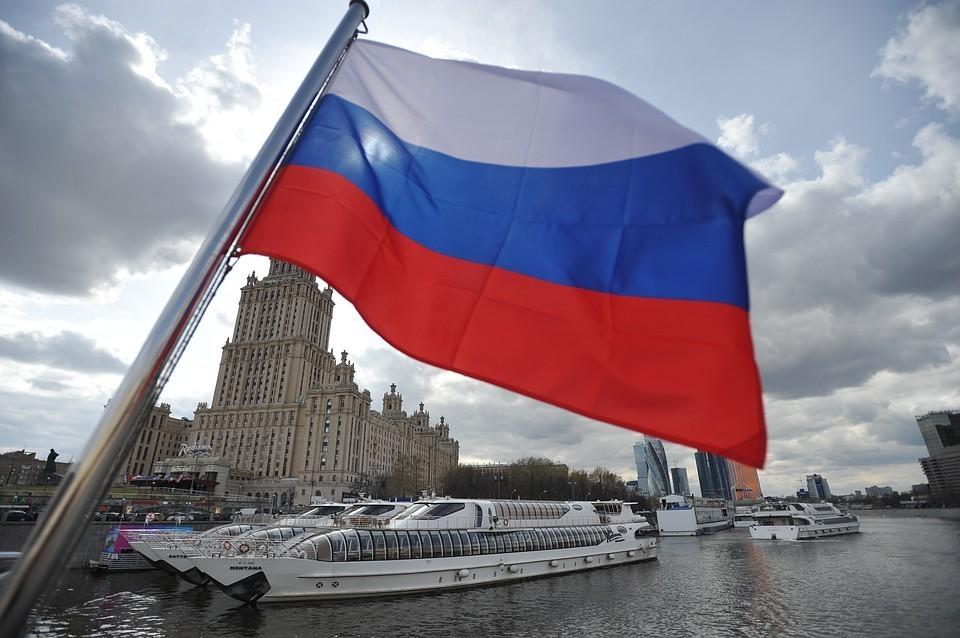 Эксперты журнала Bloomberg оценили рейтинг РФ в 2,36, поставив всего на одну ниже Малайзии