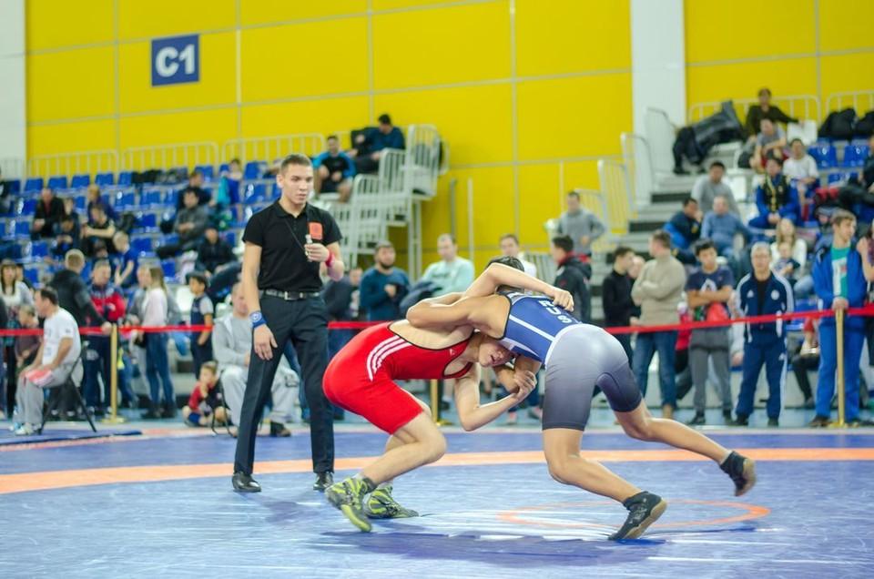 С каждым годом в соревнованиях принимают участие все больше спортсменов.