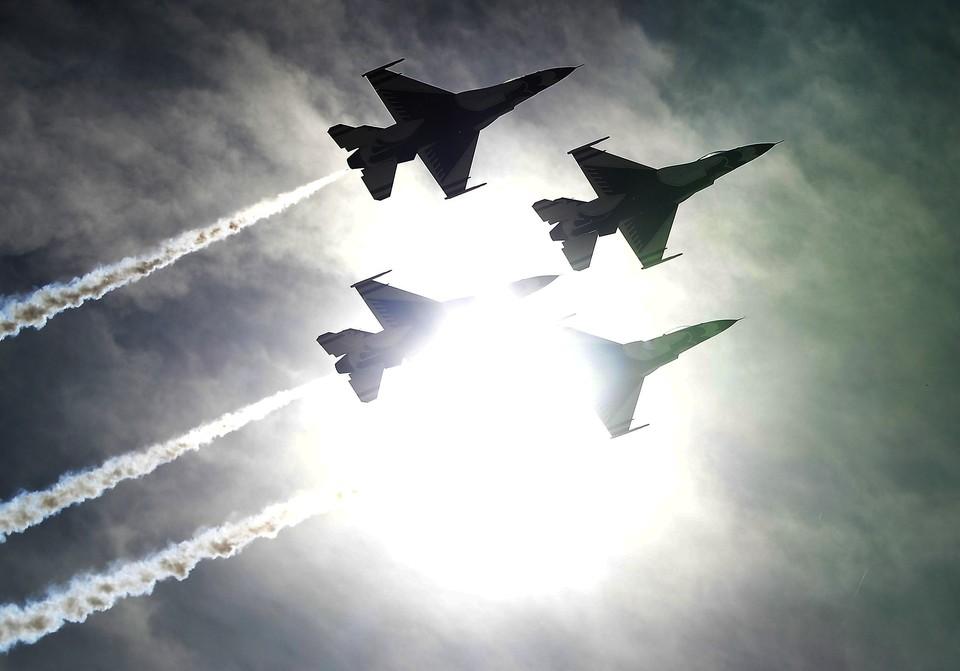 США провели внеплановые полеты над Украиной