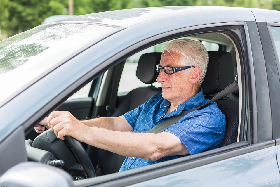 Старость за рулем - в радость