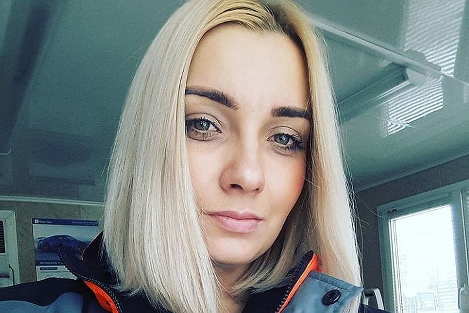 Блондинка проиграла все деньги и себя в карты, порно марафон оргазмы