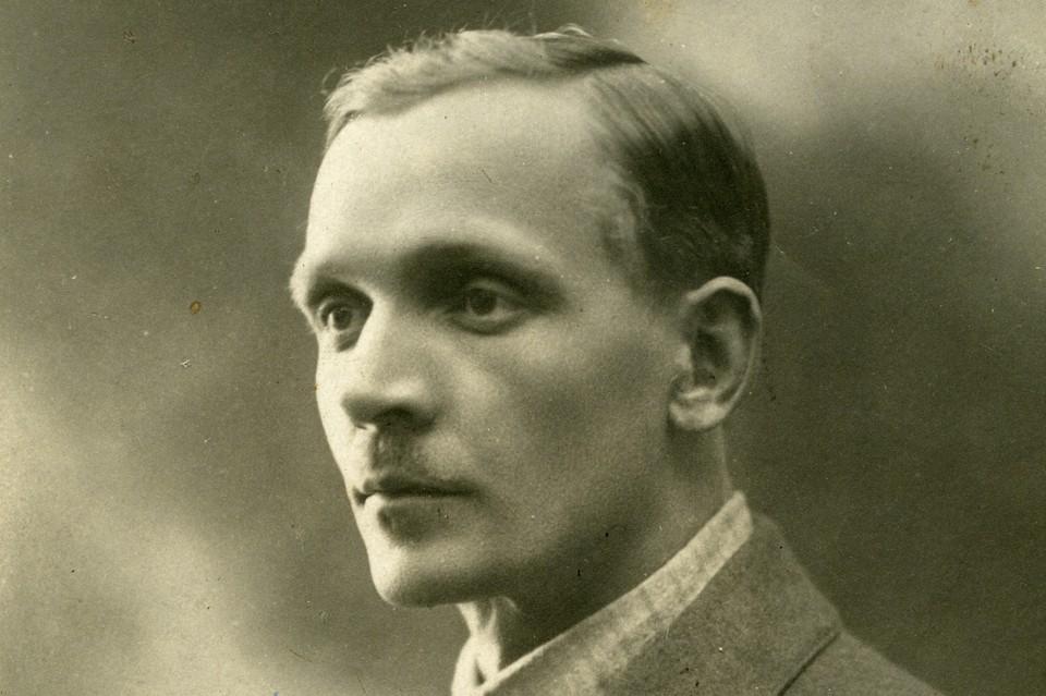 Это первый снимок Купалы, сделанный после возвращения в Минск в ателье Израиля Метера. 1919 год. Фото: Фото: Музей Янки Купалы