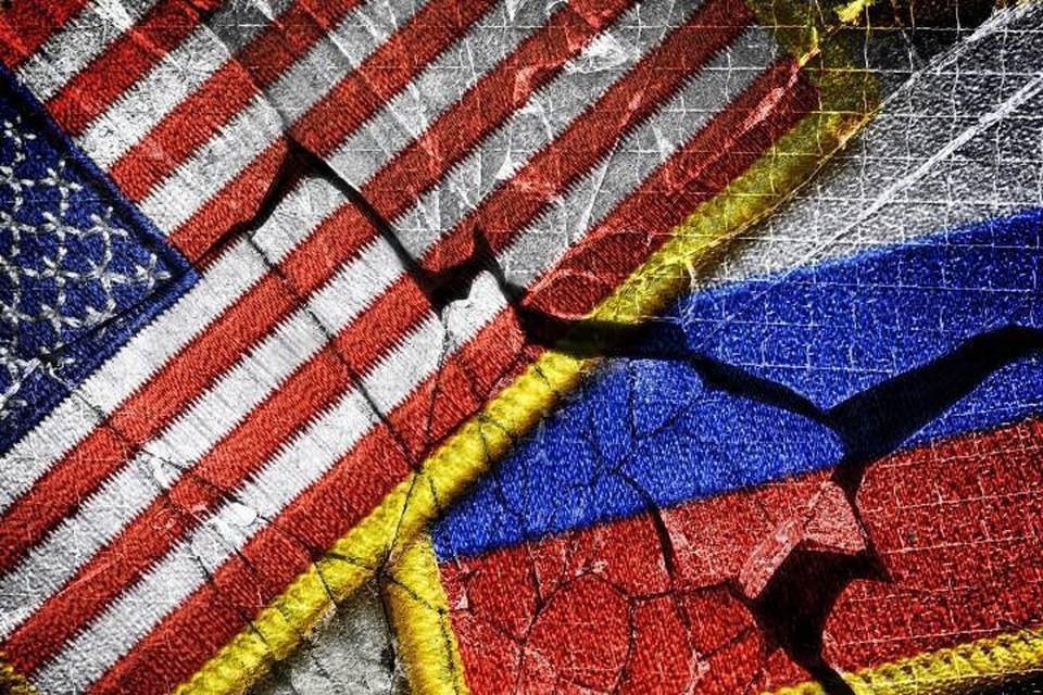Экс-посол США на Украине заявил о желании Вашингтона лишить Россию сильных армии и флота
