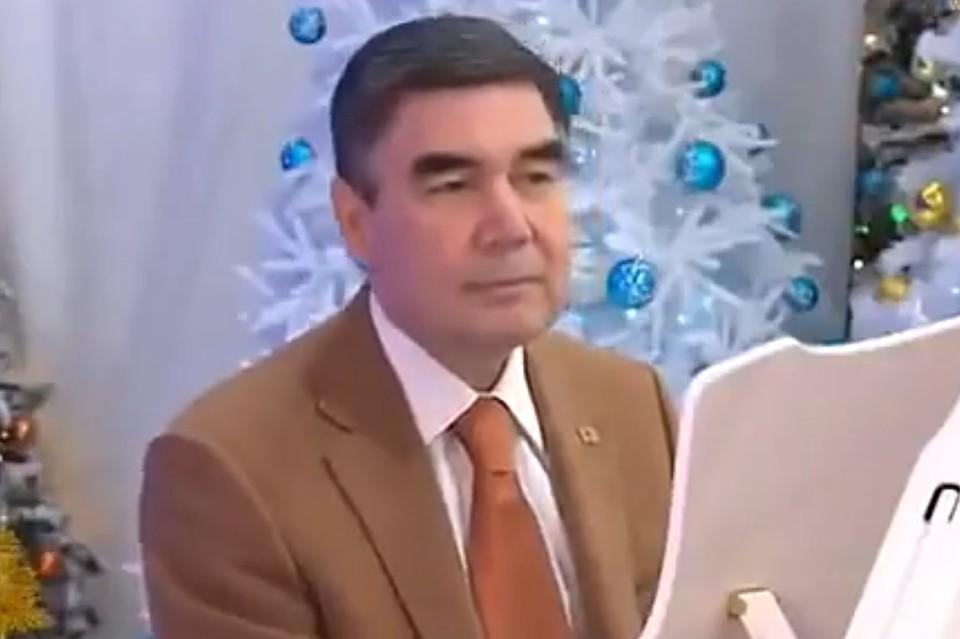 В сеть попало видео новой песни президента Туркменистана