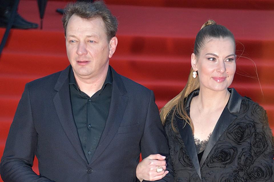 31-летняя Елизавета Шевыркова - вторая официальная супруга артиста