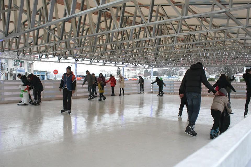 В Севастополе открылся новый ледовый каток
