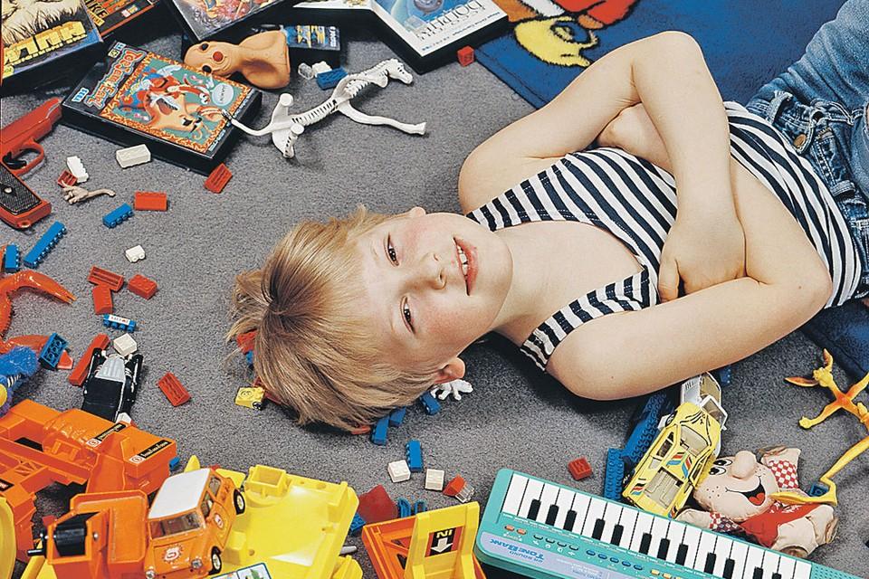 Не превратить квартиру в склад поможет правило: купил новую игрушку - выкинь старую.