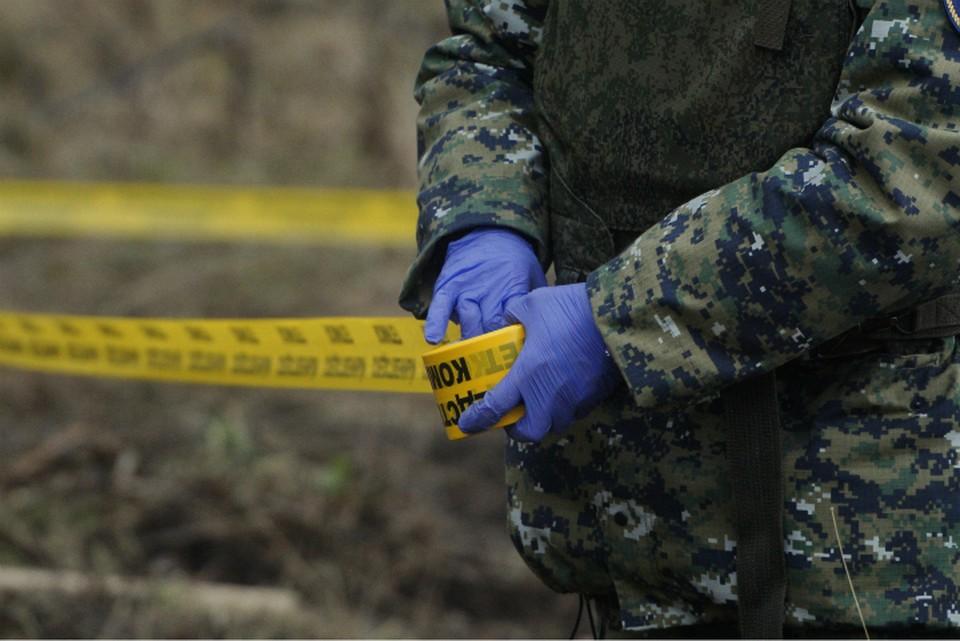 Сейчас дом, где нашли убитых пенсионеров, опечатан следователями