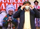 Все в масках: «Уральские пельмени» выступили против гриппа в Екатеринбурге