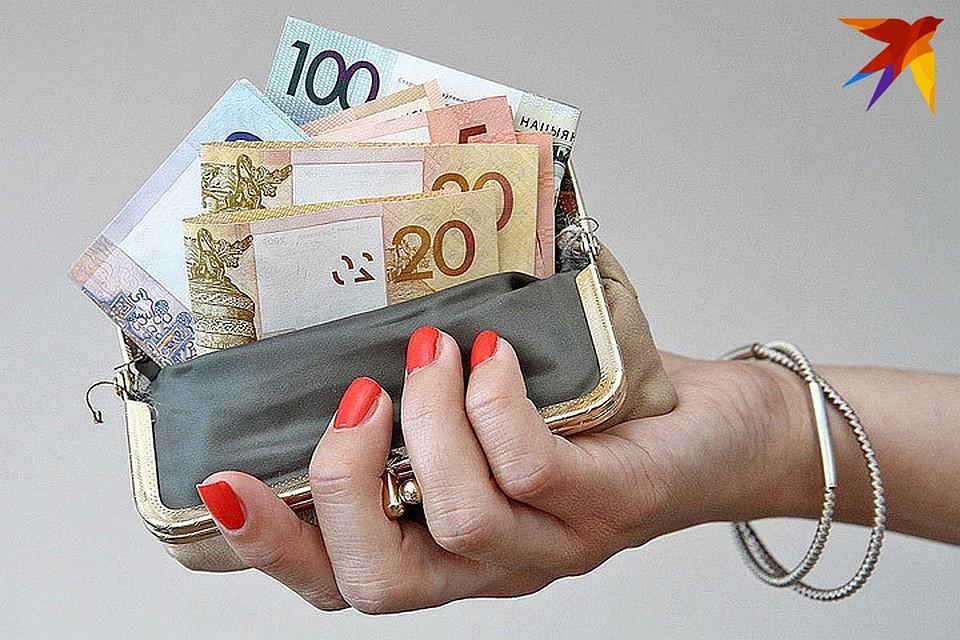 Порно разводит за деньги стриженную чешку телефон лиза