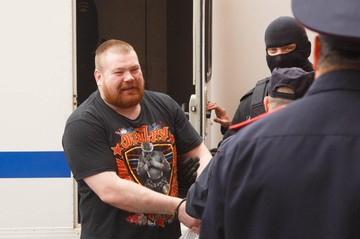 Суд Петербурга освободил националиста и борца с проститутками Вячеслава «Рыжего Тарзана» Дацика