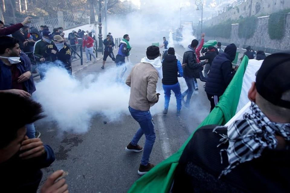 В Алжире прошли протесты против выдвижения Абдельазиза Бутефлики на пятый президентский срок