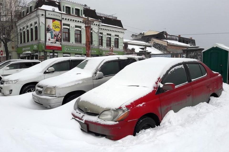 Снегопад 8 марта 2018 года стал для многих во Владивостоке неприятным сюрпризом