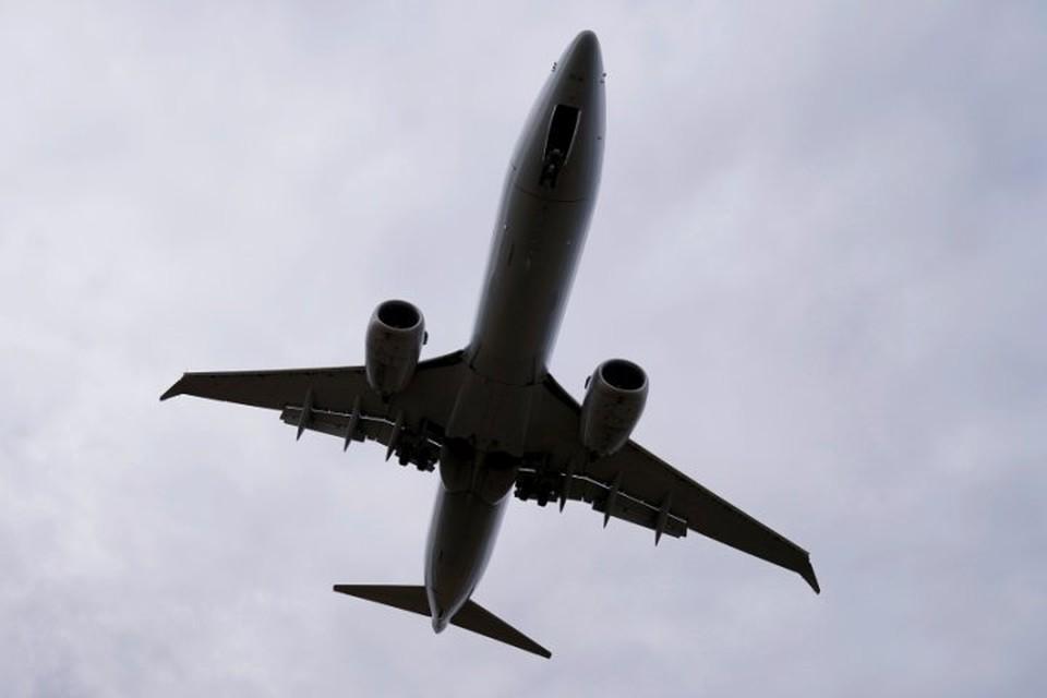 Boeing 737 MAX экстренно приземлился во Флориде из-за неполадок с двигателем