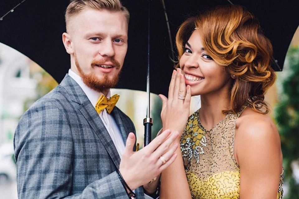 После бракосочетания Катерина опубликовала это фото с хэштегом #НОВОСЕЛЬЦЕВЫ. Фото: Instagram Катерины Кейру.
