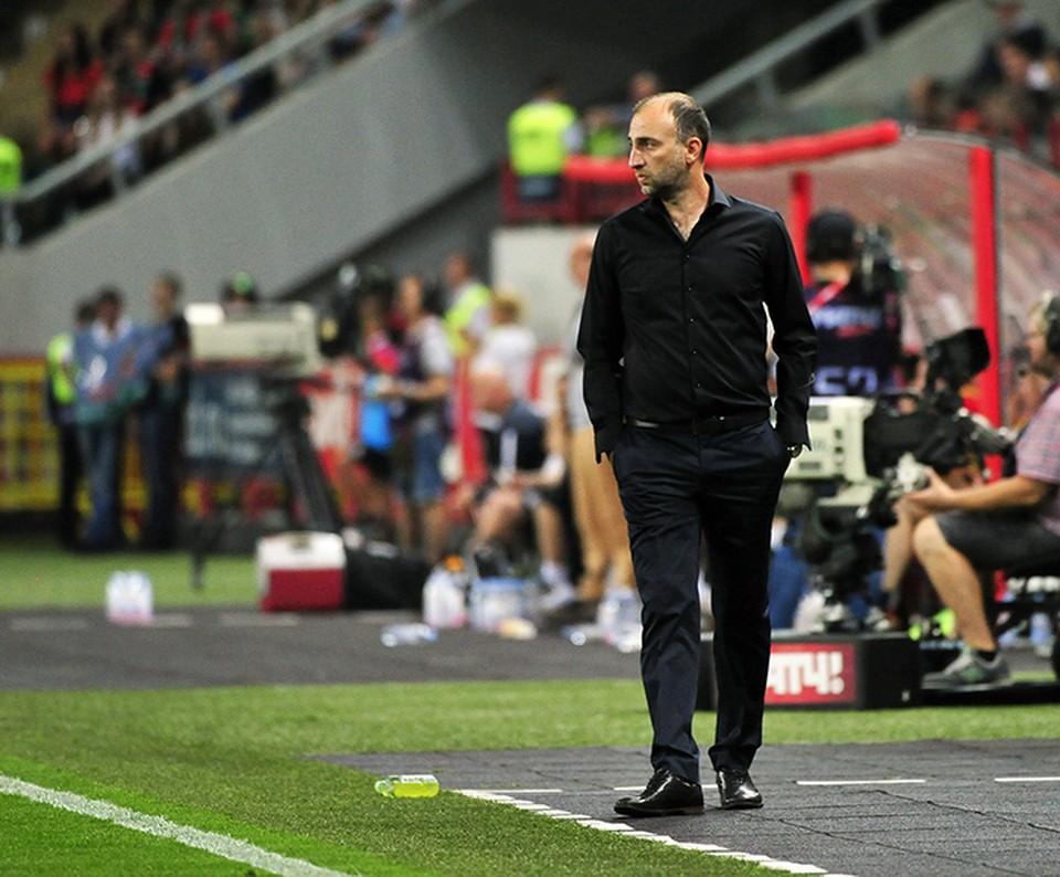 Тренер «Анжи» подал в отставку после разгромного поражения от «Краснодара»