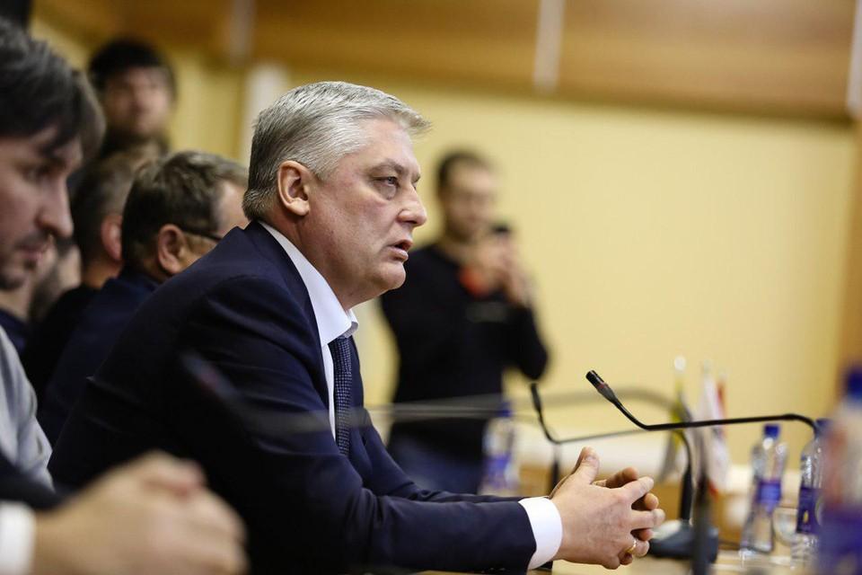 Ивана Сеничева называют человеком экс-губернатора Бориса Дубровского.