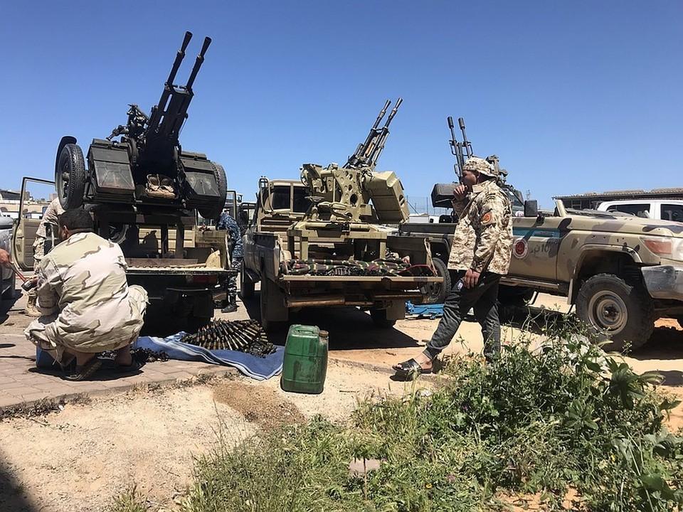 В настоящий момент на подступах к ливийской столице ведутся ожесточенные бои