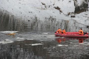 Скала осыпается, но угрозы реке нет: группа спасателей и ученых снова обследовала «бурейскую аномалию» в Хабаровском крае