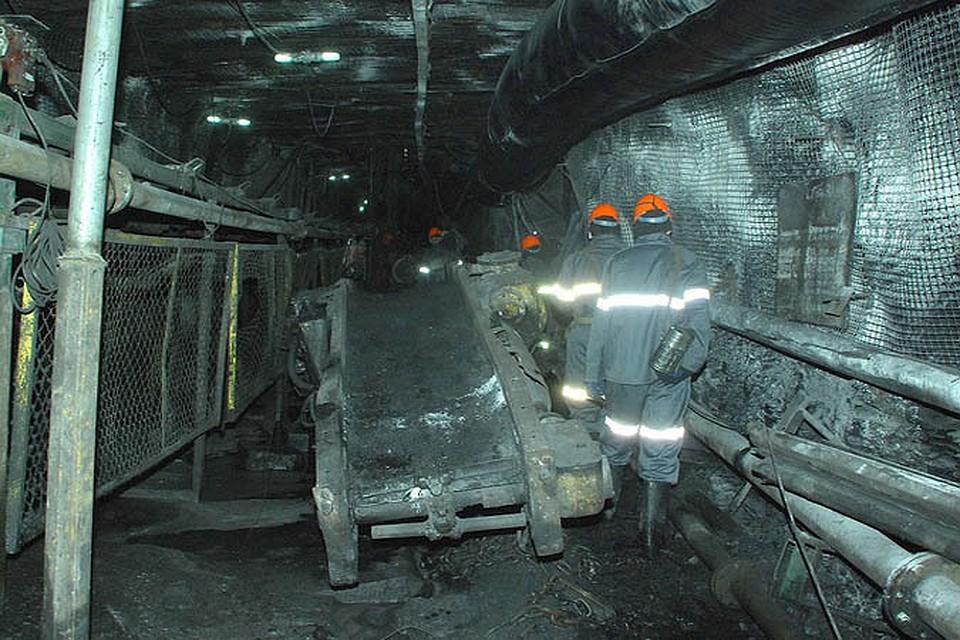 В результате взрыва на шахте в ЛНР погибли двое рабочих