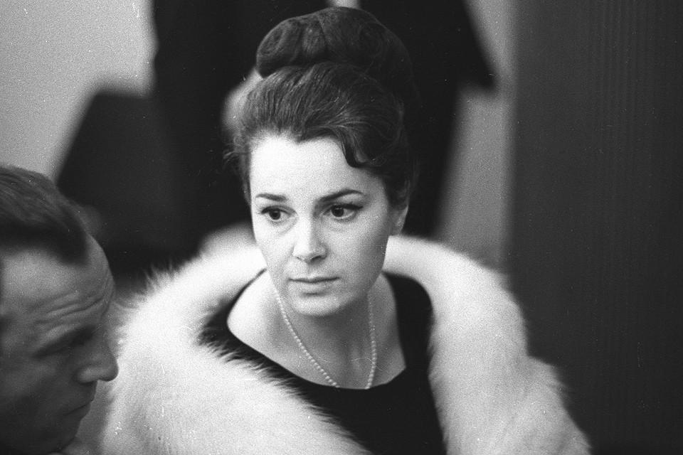 Актриса Элина Быстрицкая в 1965 году.