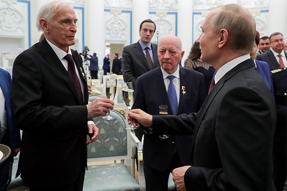 Ежегодно накануне 1 мая президент награждает в Кремле пятерых выдающихся граждан страны. Фото: Вячеслав Прокофьев/ТАСС