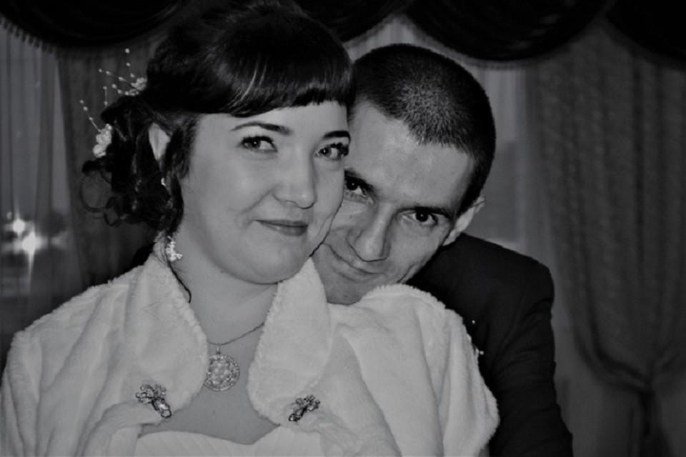 Андрей и Екатерина Чупруновы на свадьбе. Фото предоставлено друзьями погибших.