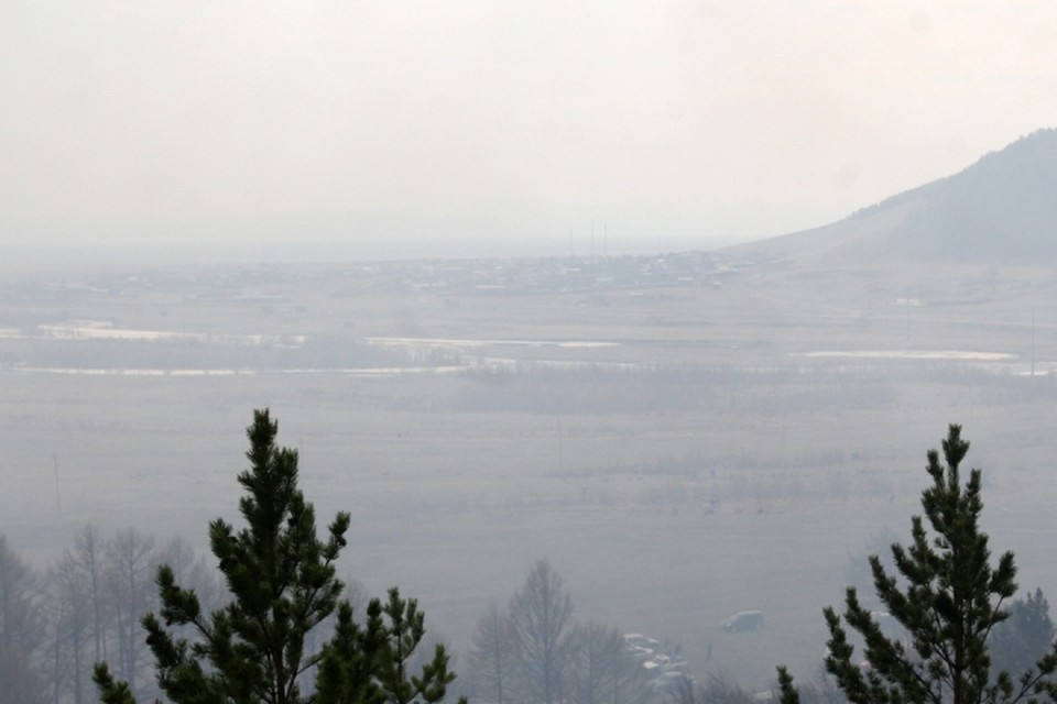 Пожары взяли в кольцо несколько сел в Иркутской области.