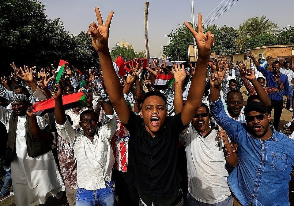 Военные Судана и оппозиция договорились о трехлетнем переходном периоде