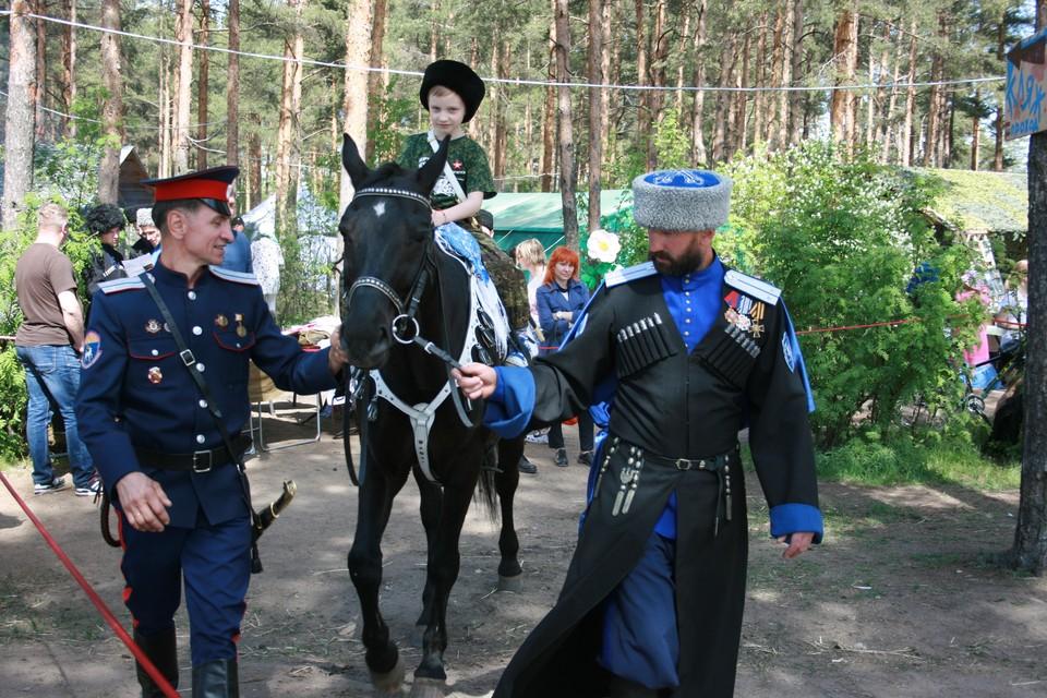 В Петербурге прошел семейный праздник, посвященный старинному казачьему обряду