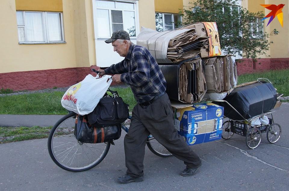 Гомельчанин соорудил «велопоезд» для сбора макулатуры