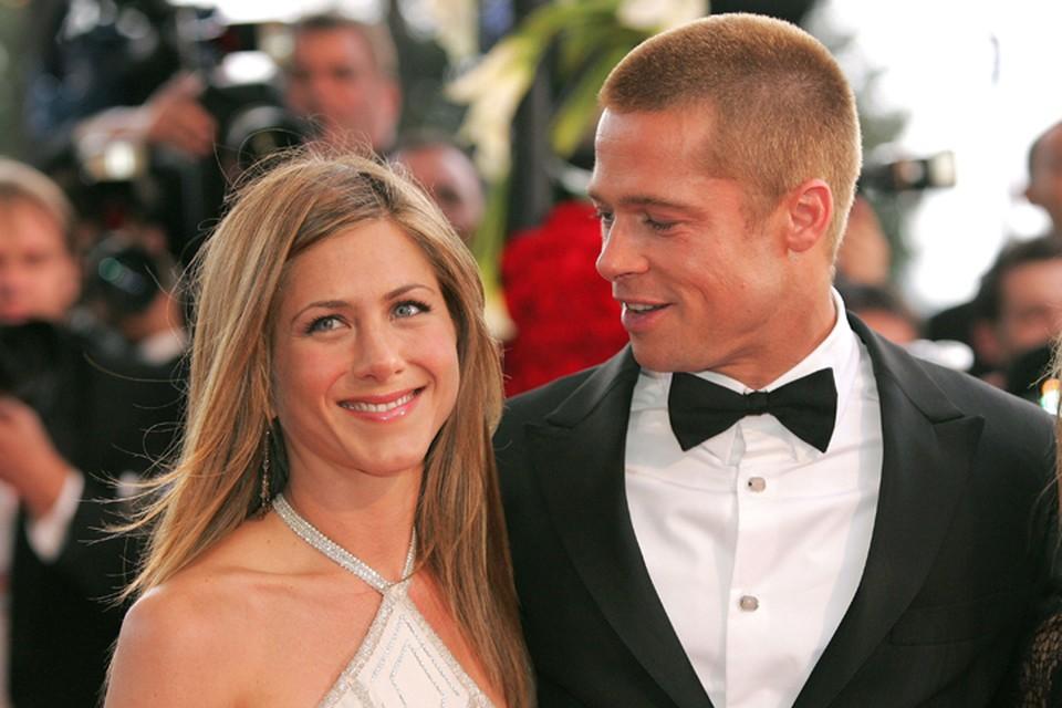 Дженнифер развелась с Брэдом Питтом в 2005 году после пяти лет брака.