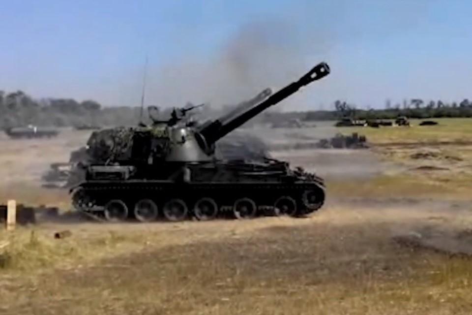 По югу ДНР украинские военные выпустили 100 снарядов из 122-миллиметровых гаубиц. Фото: facebook.com/pressjfo.news