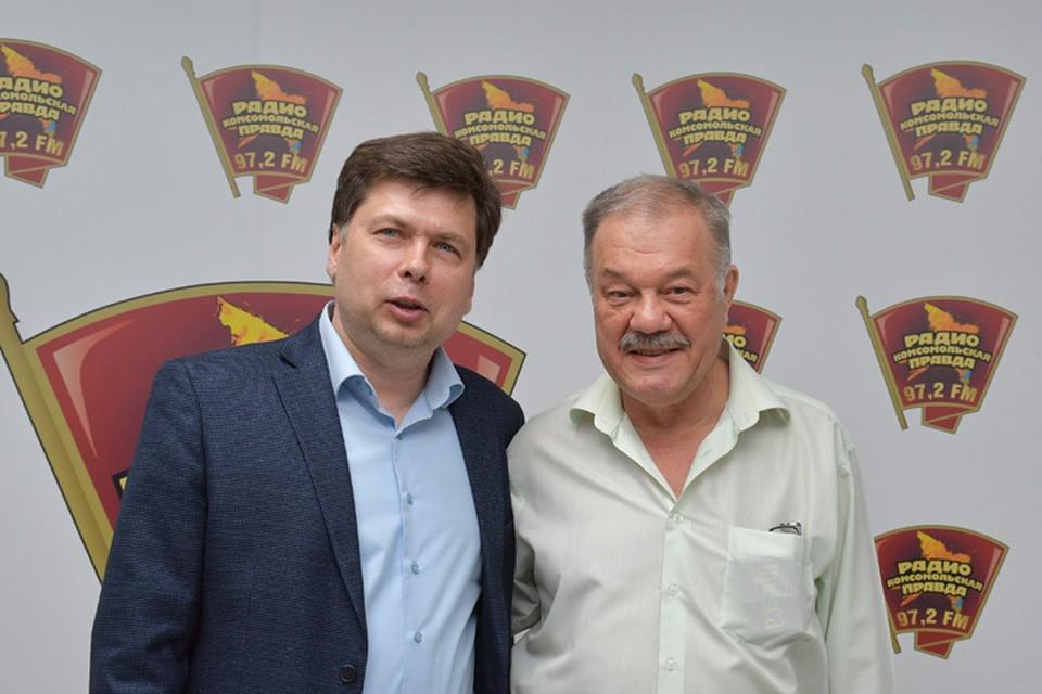 В гостях у Александра Гамова главный редактор портала «РИАМО» и автор романа Максим Шарапов