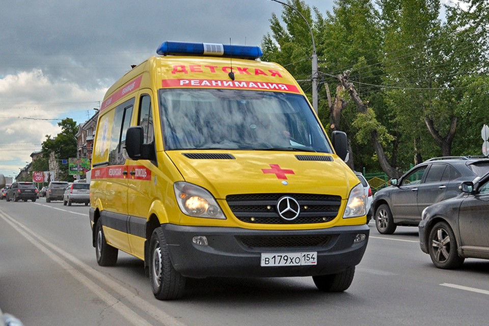 В детскую больницу Филатова доставили мальчика с компрессионым переломом позвонка