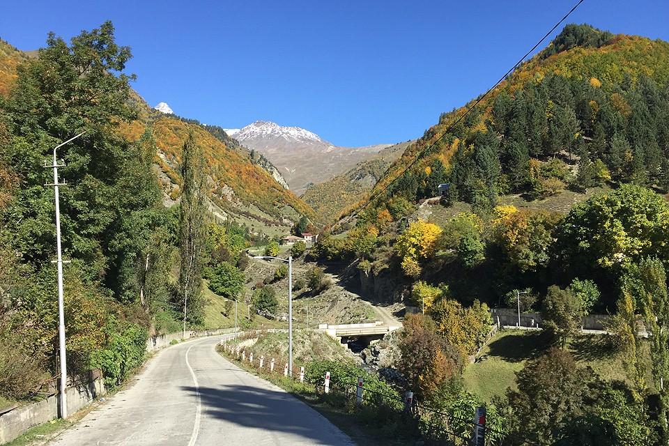 Горная дорога в Грузии.