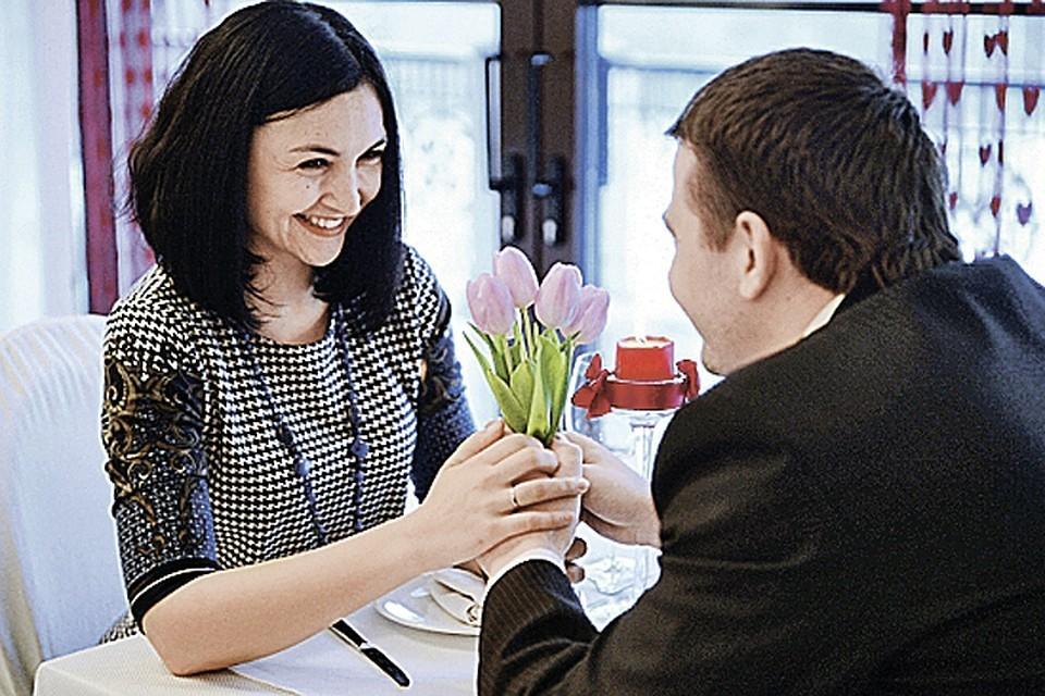 Треть женщин ходят на свидание ради бесплатной еды
