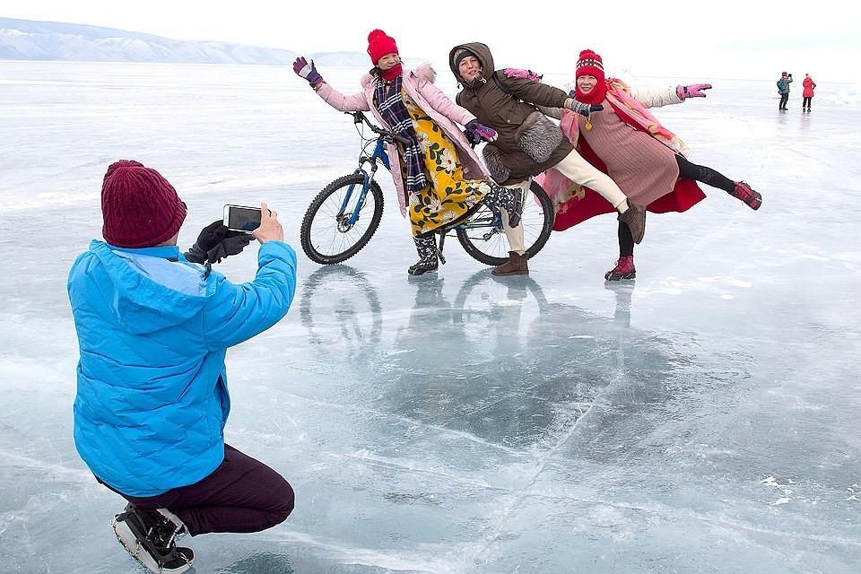 Озеро популярно не только у российских туристов, но и у китайцев.