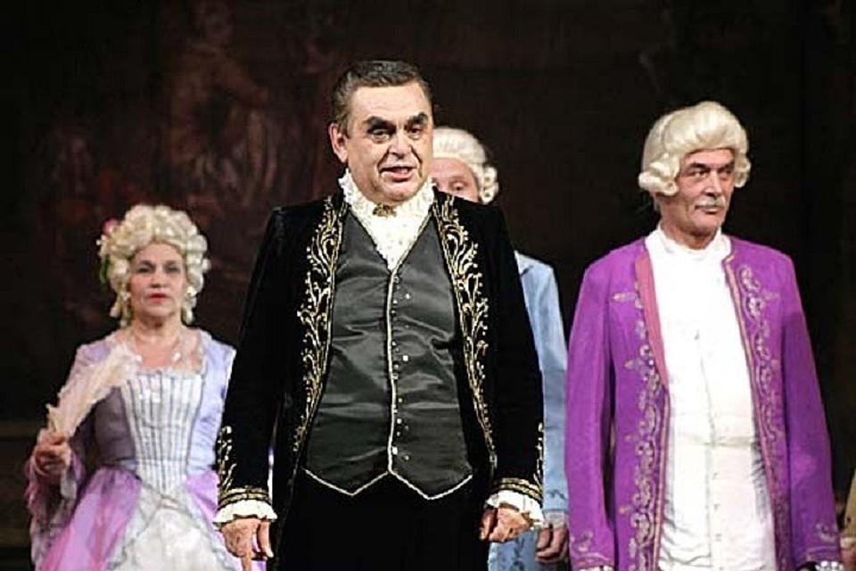 Великий тенор Михай Мунтяну, которого уволили из Национального театра оперы и балета: директор мне сказал, что была бы жива Мария Биешу, он уволил бы и ее!