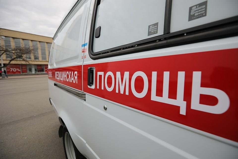 Прибывшие на место медики не успели спасти малыша. Фото: Дмитрий АХМАДУЛЛИН.