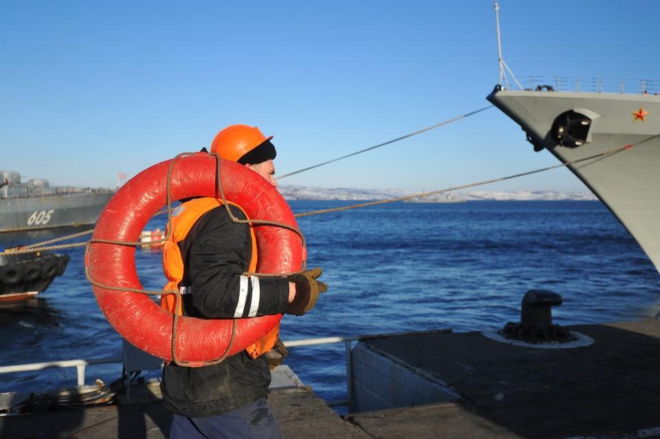 """Эксперт об экипаже секретной подводной лодки, на которой случился пожар: """"В обычное время там не может быть столько высокопоставленных военных""""."""