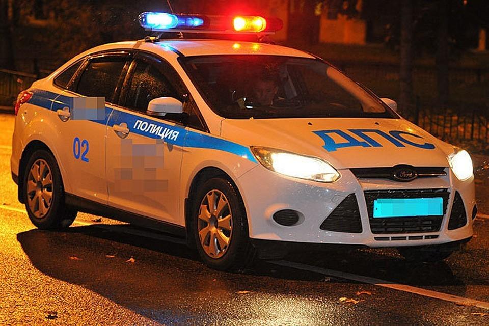 Обстоятельства аварии выясняют полицейские и следователи