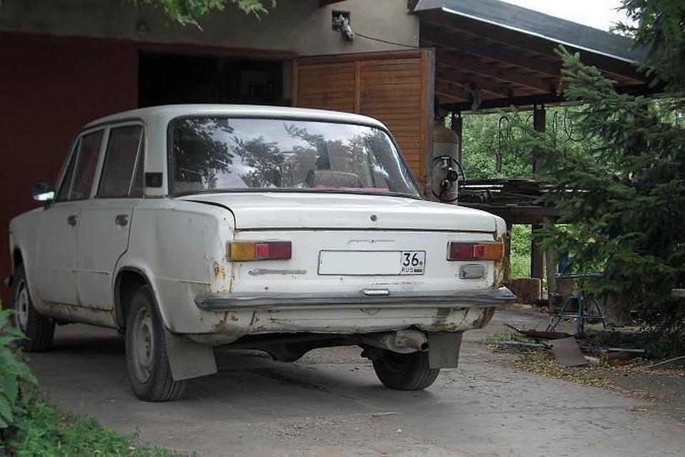 """В десятке самых популярных машин на вторичном рынке - сплошь """"Лады""""."""